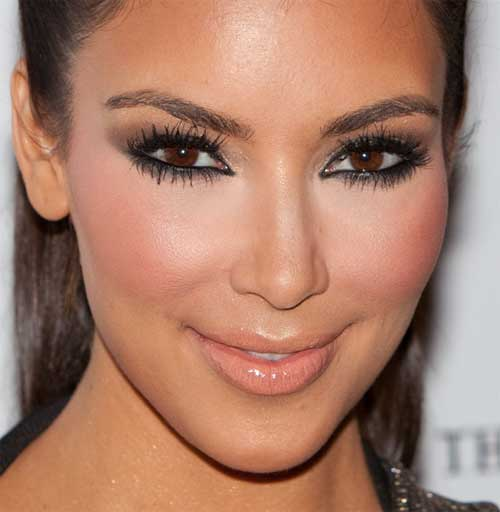 Kim Kardashian Has PRP Injection / Vampire Facelift